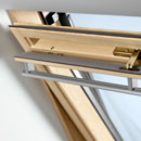 GGL - дерев'яне мансардне вікно з центральною віссю відчинення Velux