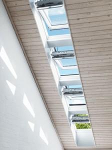 Радіокероване мансардне вікно – INTEGRA® Velux