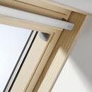 Velux вікно - натуральна деревина.