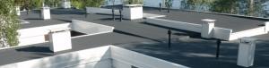 Kerabit 3000 U Резинобітумний килим, армуючою основою якого є поліестер. На верхню і нижню поверхні килима нанесене кварцове посипання.