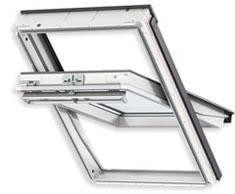 Біле дерев'яне вологостійке мансардне вікно VELUX PREMIUM в поліуретані GGU 0070