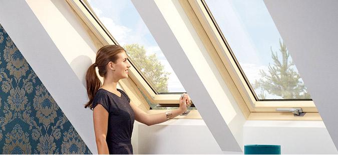 Фото мансардне вікно VELUX OPTIMA Комфорт, ручка знизу GLR 3073B