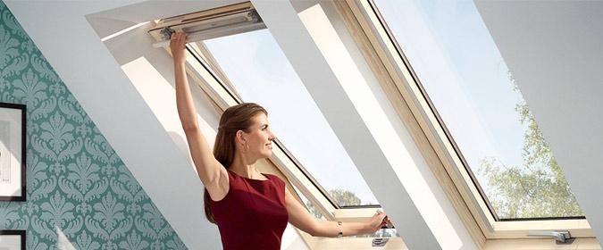 Мансардне вікно VELUX OPTIMA Стандарт, Універсальна модель: дві ручки GLR 3073BT