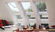Переваги комбінація похилих і вертикальних елементів VELUX - поєднання мансардних вікон VELUX.
