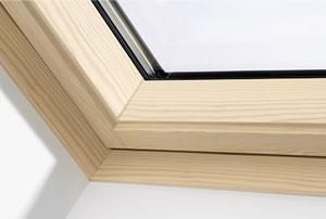 Покриття лаком Віддаєте перевагу традиційним рішенням, наші вікна покриті лаком, доступні під замовлення. Мансардні вікна лаковані