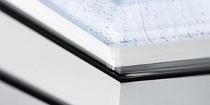Переваги глухого зенітного вікна Velux фото